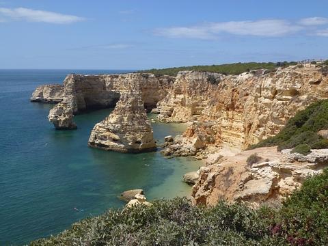 Praia da Marinha an der Algarve