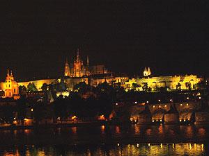Burg in Prag und Karlsbrücke