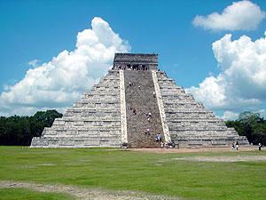 Chichén-Itzá: Pirámide de Kukulcán
