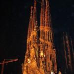 Sagrada Familia, Geburtsfassade bei Nacht