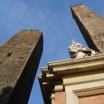 Torre Garisenda und Torre degli Asinelli