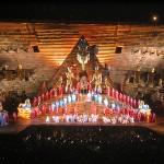Volle Bühne bei Aida