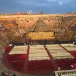 Arena di Verona innen vor der Opernaufführung