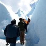 Wandern in einer Gletscherspalte