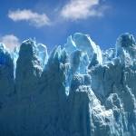 faszinierende Blautöne im Gletscher