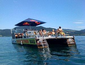 """Sail in"", das chill-out Floß auf dem Attersee"