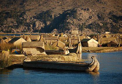 Schwimmende Insel auf dem Titicaca-See