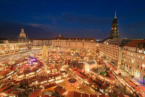 Weihnachtsmärkte: Dresdner Striezelmarkt von oben