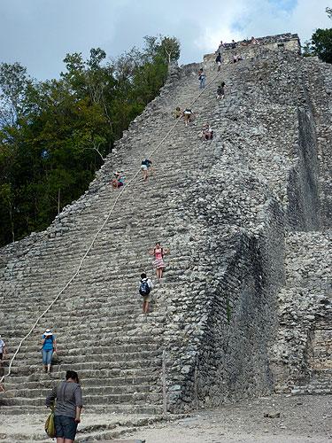 Nohoch Mul Pyramide in Cobá