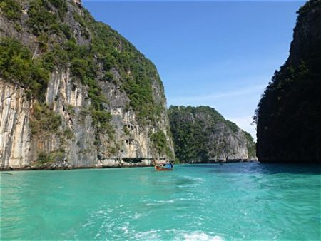 Traumhaftes Wasser in der Phang Nga Bucht