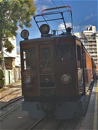 Zug nach Soller